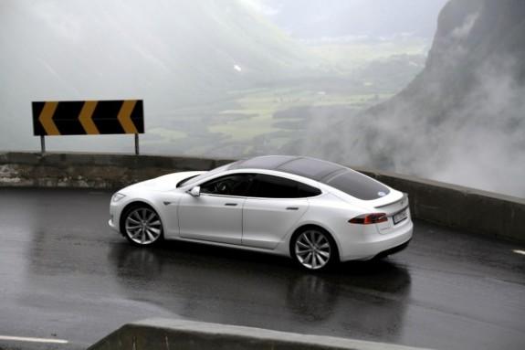Tesla_Model_S_opt